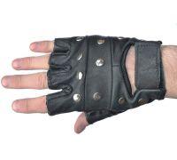Перчатки кожаные с заклепками